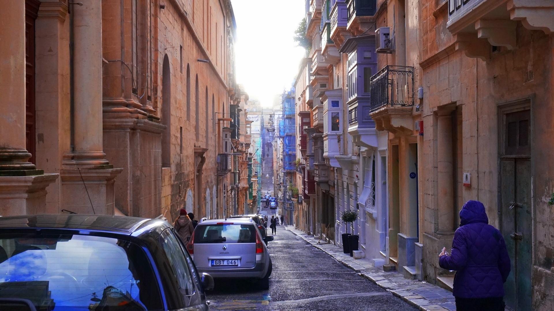 Ulica w Valetcie, Malta | Sway the way