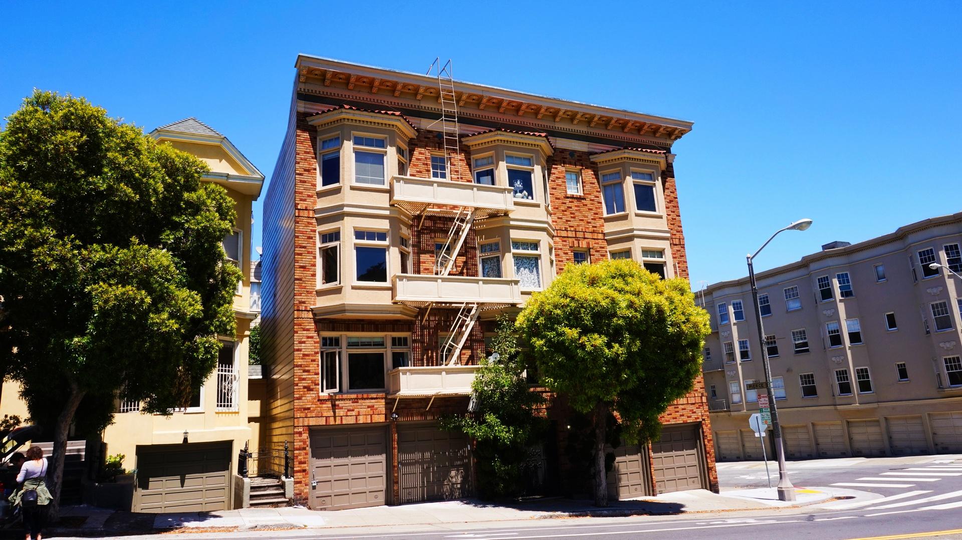 Zejście ewakuacyjne z dachu w San Francisco, USA | Sway the way