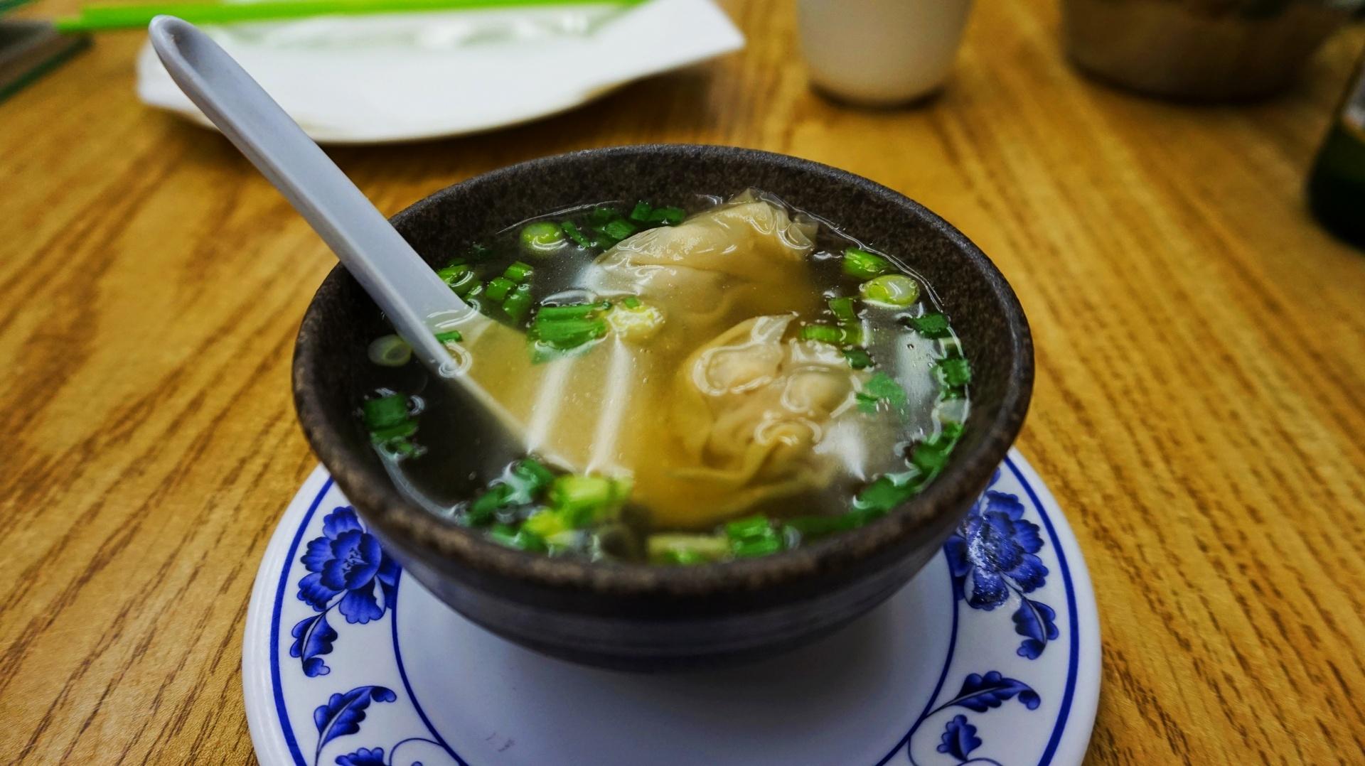 Zupa won ton w Chinatown w San Francisco, USA | Sway the way