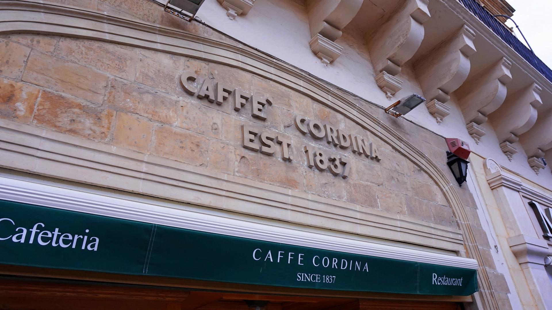 Bardzo znana na Malcie kawiarnia Caffe Cordina w Valletce | Sway the way