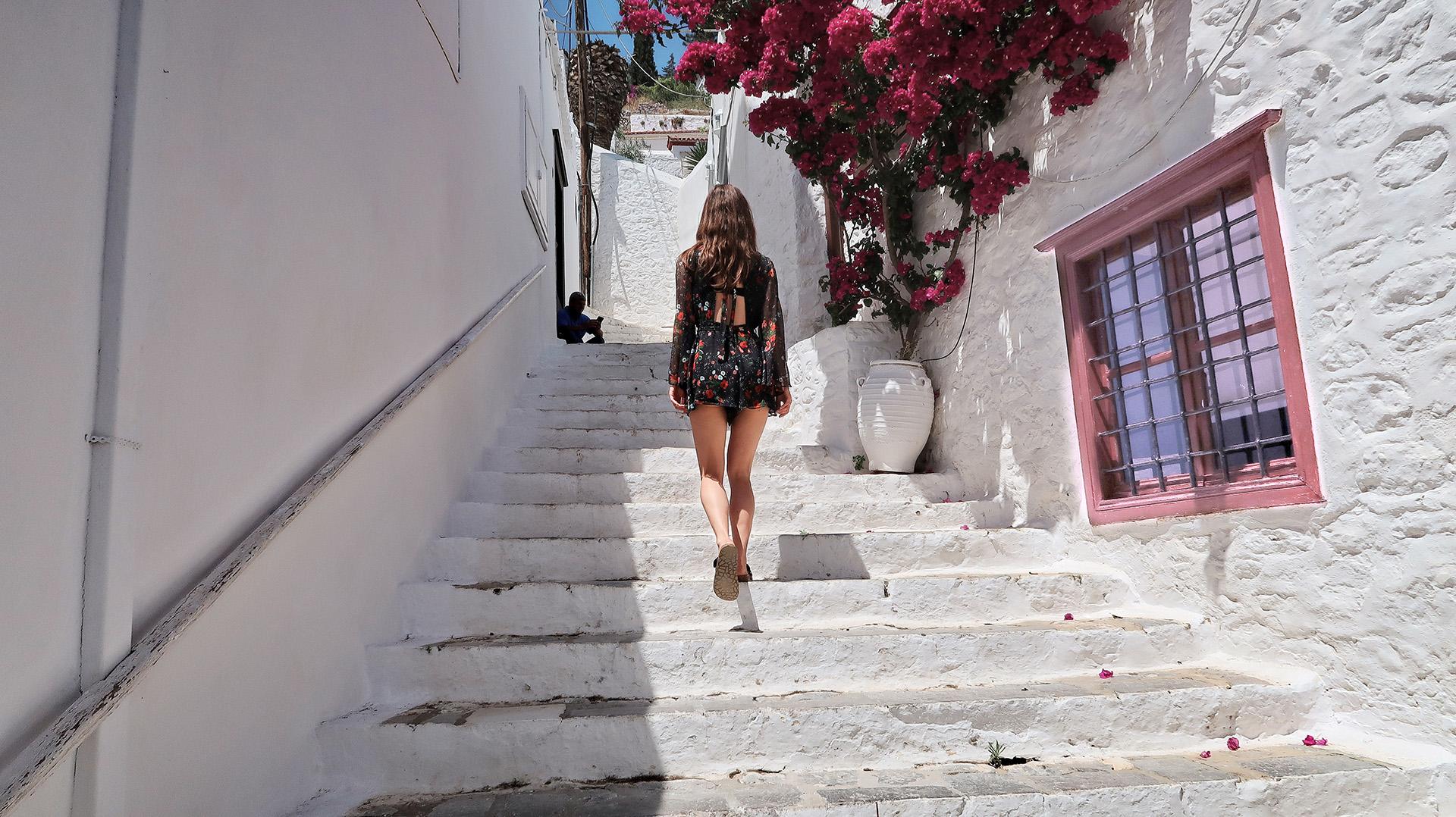 sway the way greece julia insta5