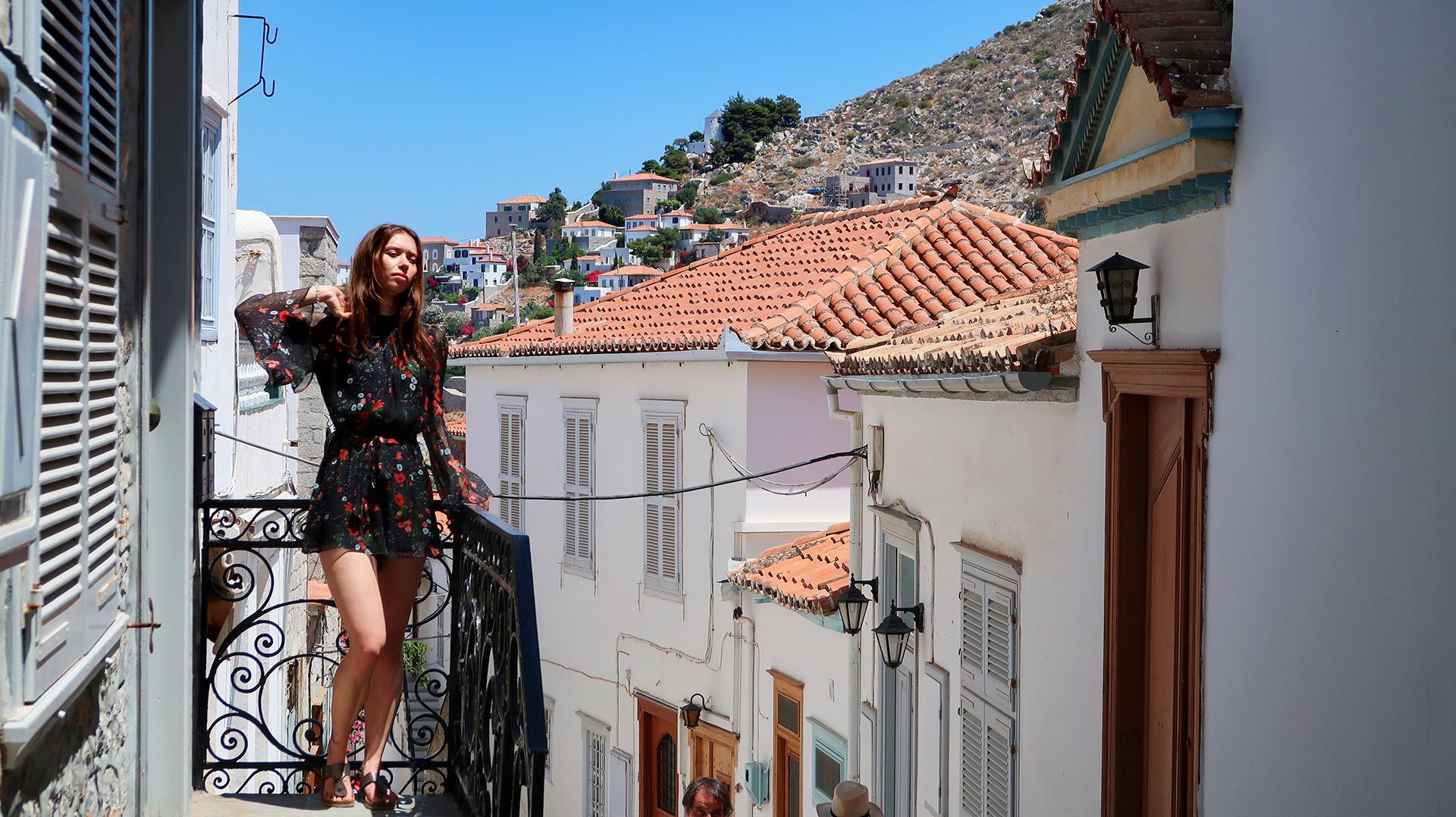 sway the way hydra julia balcony